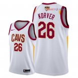Cleveland Cavaliers - Maillot NBA Kyle Korver 26 Blanc Association Patch 2018 Finales Champions